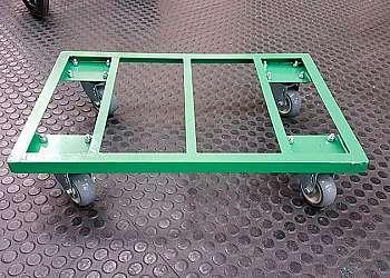 Carrinho de carga 4 rodas usado